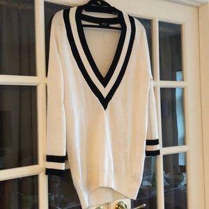 nasty gal XS v neck sweater - black/white